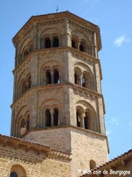 Anzy-le-Duc - Le clocher octogonal