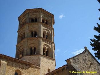 Anzy-le-Duc - Le clocher du prieuré