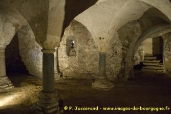 Anzy-le-Duc - la crypte