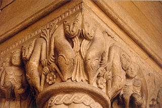 Chapiteau historié de la basilique de Paray-le-Monial