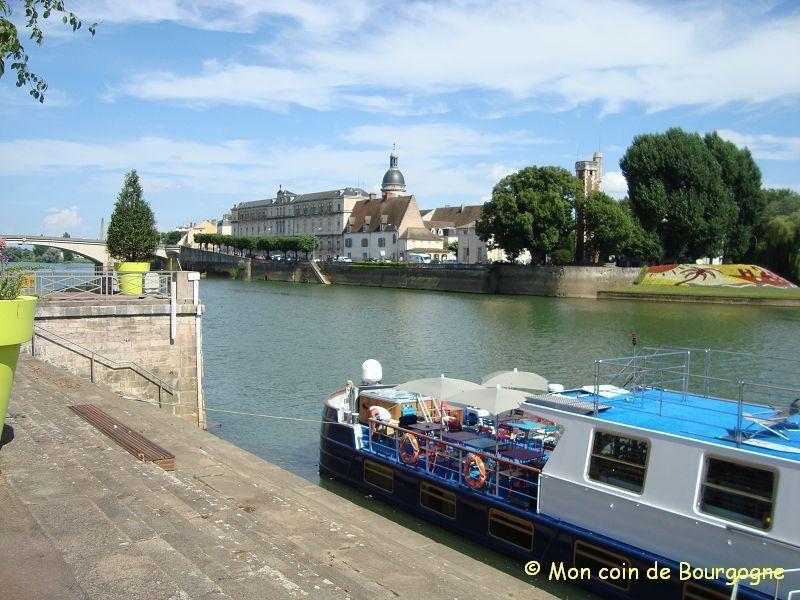 Chalon - vers l'île St Laurent