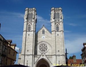 Chalon sur Saône - cathédrale St Vincent (façade)