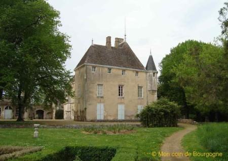 Germolles - vue arrière du château 1