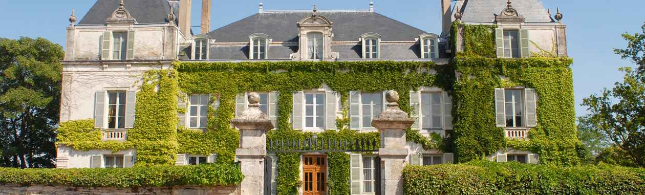 Façade du château de Chamirey