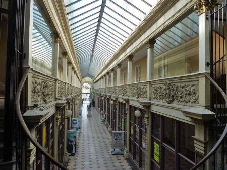 Passage halle couverte - Autun