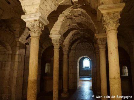 Tournus - Crypte de l'abbaye St Philibert