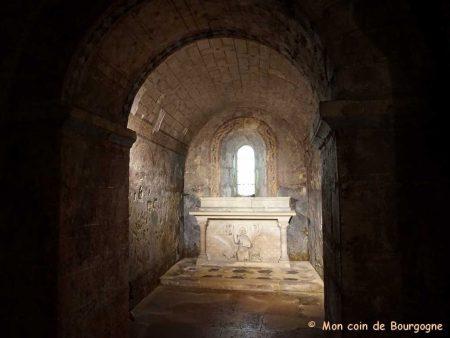 Tournus - Crypte - Tombeau de St Valérien