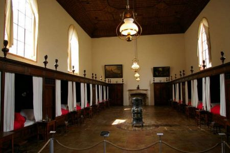 Salle des malades à l'Hôtel-Dieu de Tournus