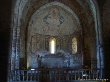 Fresques dans l'église de Brancion