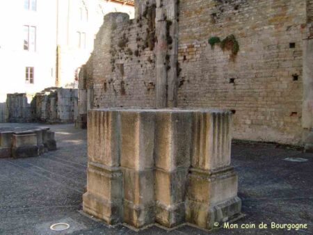 Cluny - Vestiges des piliers